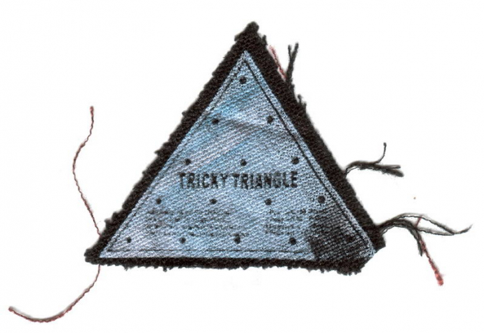 Trivcy Triangle On Linen